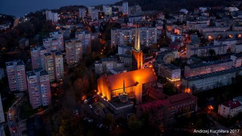 Gdynia Nocą - Parafia św. Antoniego - Sanktuarium M.B. Królowej Matki Nadziei i św. Maksymiliana