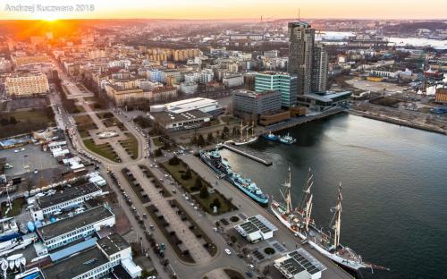 Zachód Słońca - Port Gdynia